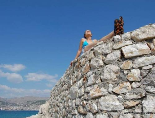 Przystanek Albania Saranda – wakacyjny kurort czy wysypisko śmieci ?
