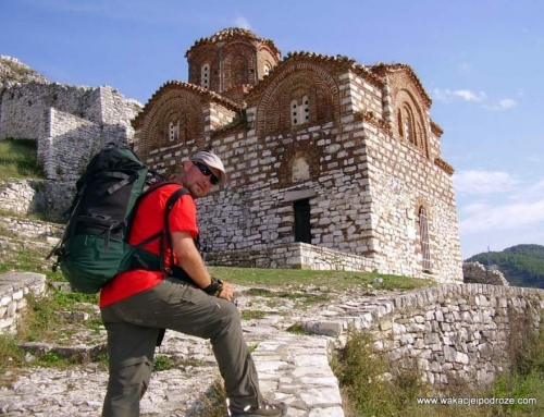 Podróż do Albanii: Berat – za murami miasta o tysiącach okien