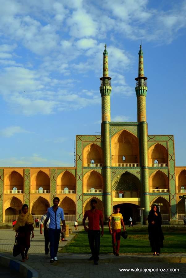 Amir-Chaghmaq-w-Yazdzie