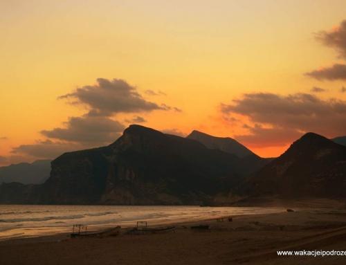 Zwiedzanie Omanu – Mughsayl – doskonałe na piknik