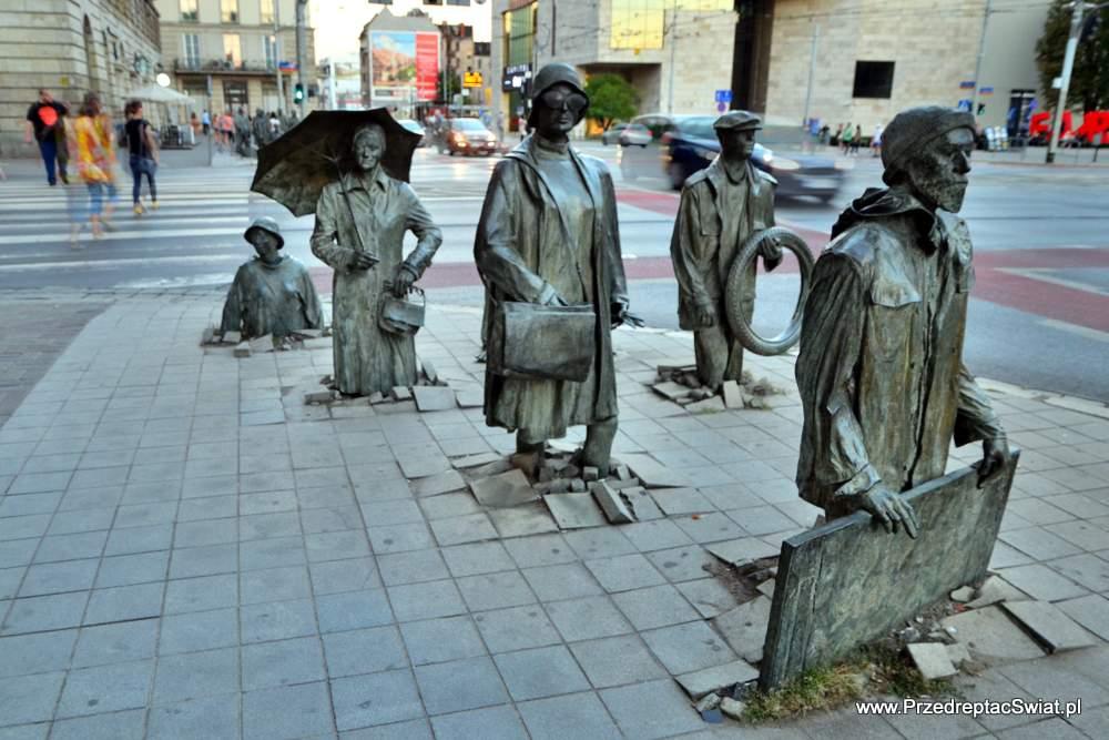 Wrocław na weekend - pomnik anonimowego przechodnia