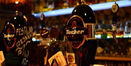 Najlepsze bary w Koszalinie z regionalnym piwem
