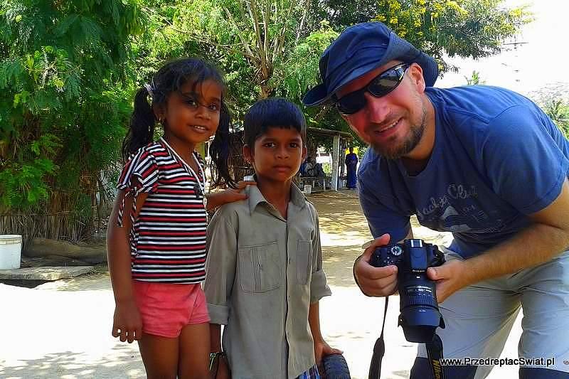 Indie - zdjęcie z dziecmi