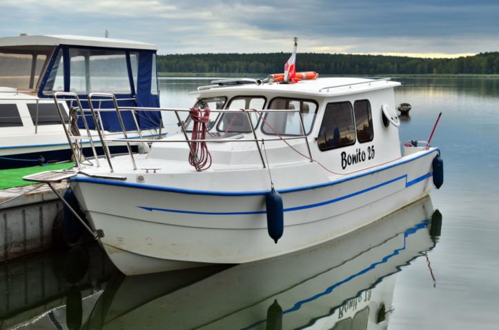 czarter jachtu motorowego na zalewie koronowskim
