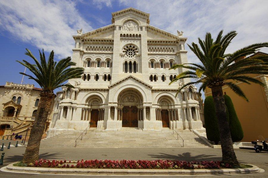 Monako ciekawe miejsca - katedra w Monako