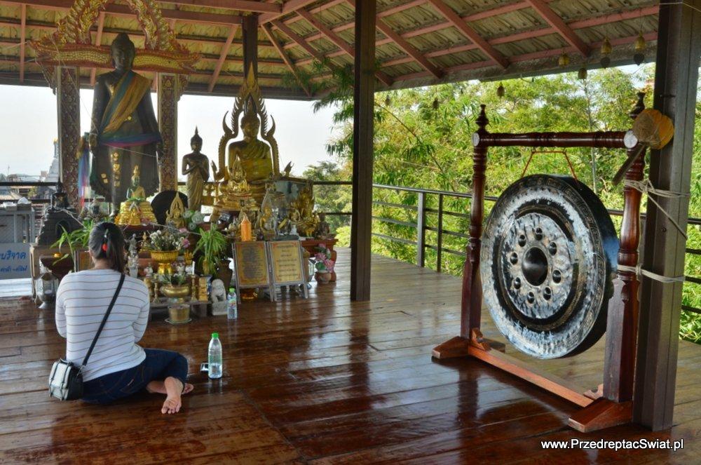świątynia Wat Chaloem Phra Kiat