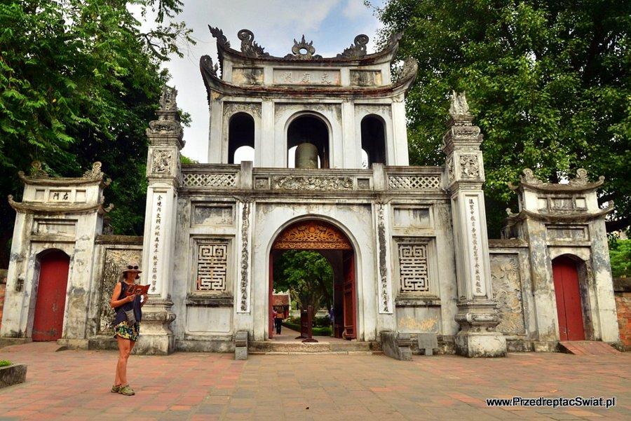Hanoi ciekawe miejsca. Temple of Literature