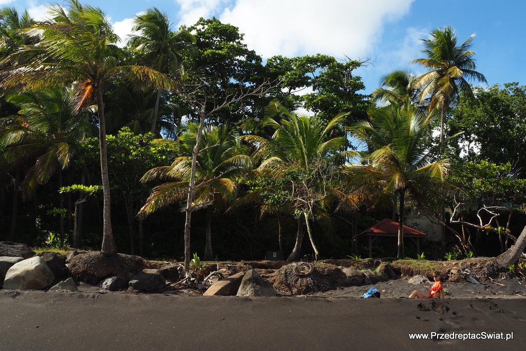 Grande Anse - czarna plaża