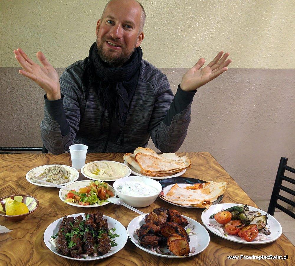 Jedzenie w Jordanii - restauracja w pobliżu lotniska