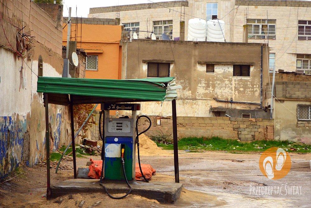 Wypożyczenie samochodu w Jordanii - stacje benzynowe